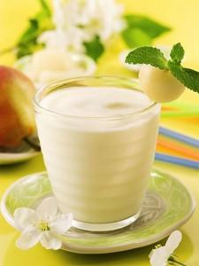 Smoothie d'hiver : poire, miel et lait (http://www.marmiton.org/recettes/recette_smoothie-poire-miel_165617.aspx)