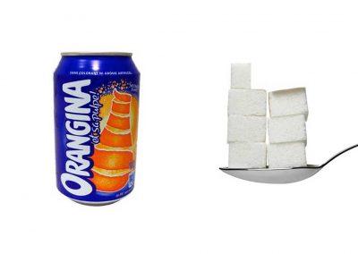 Une canette de 33 cl d'Orangina contient 32,8 g de sucre, soit 6,6 morceaux.